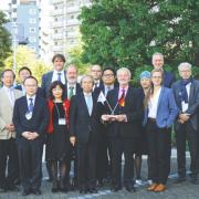 Prof. Löschel mit dem GJETC in Tokyo